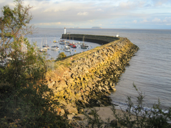 Web Design Barry - Barry Docks Entrance outer harbour wall - Thanks to Graham Davies for the image